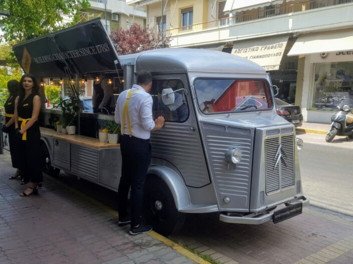 Citroen H van long edition for Schweppes by smartmovingmedia