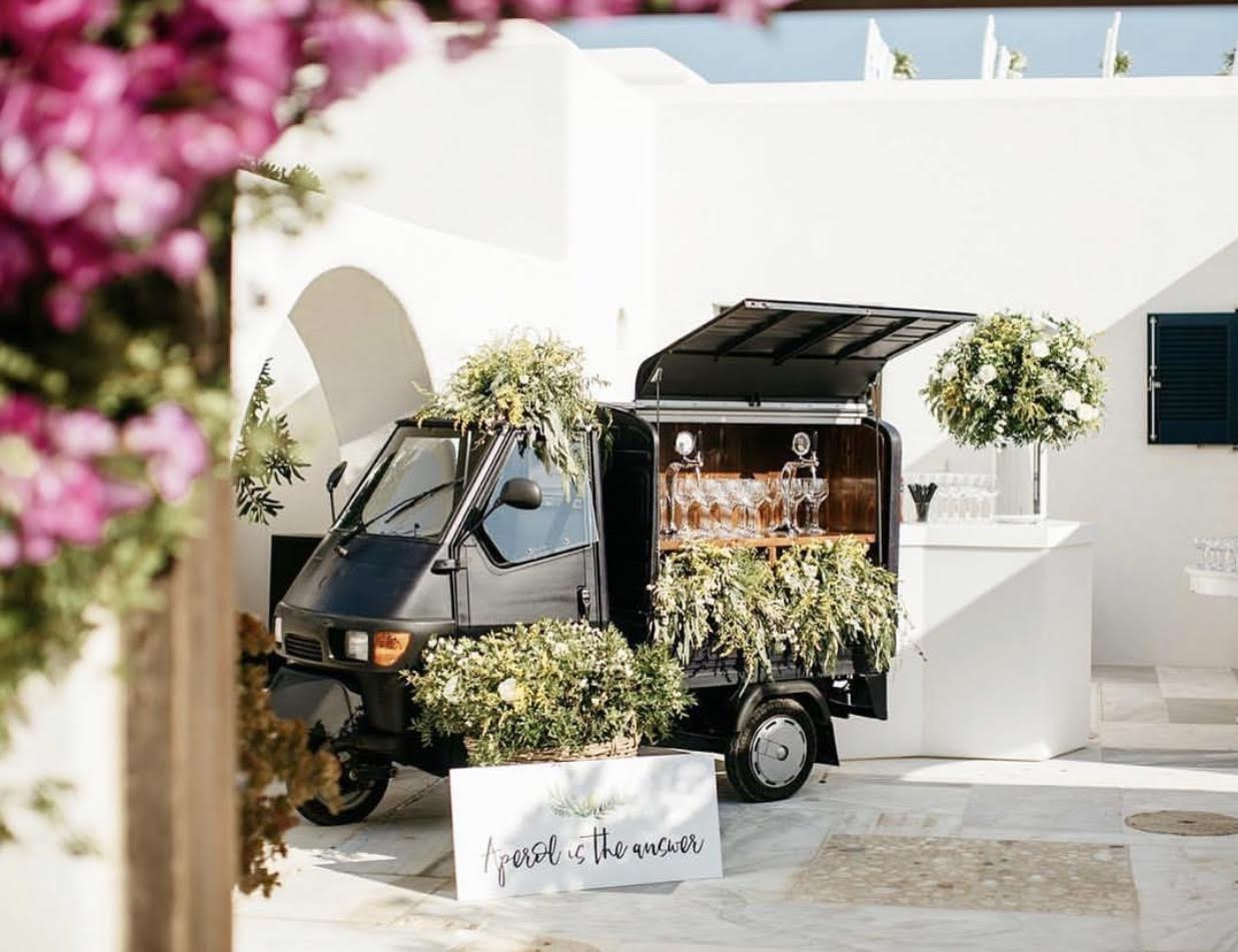 Piaggio APE Prosecco Van by smart moving media(1)